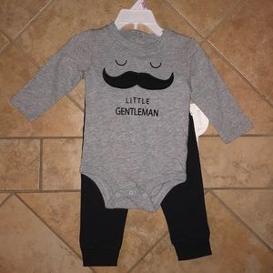 Little Gentleman Mustache Layette Set